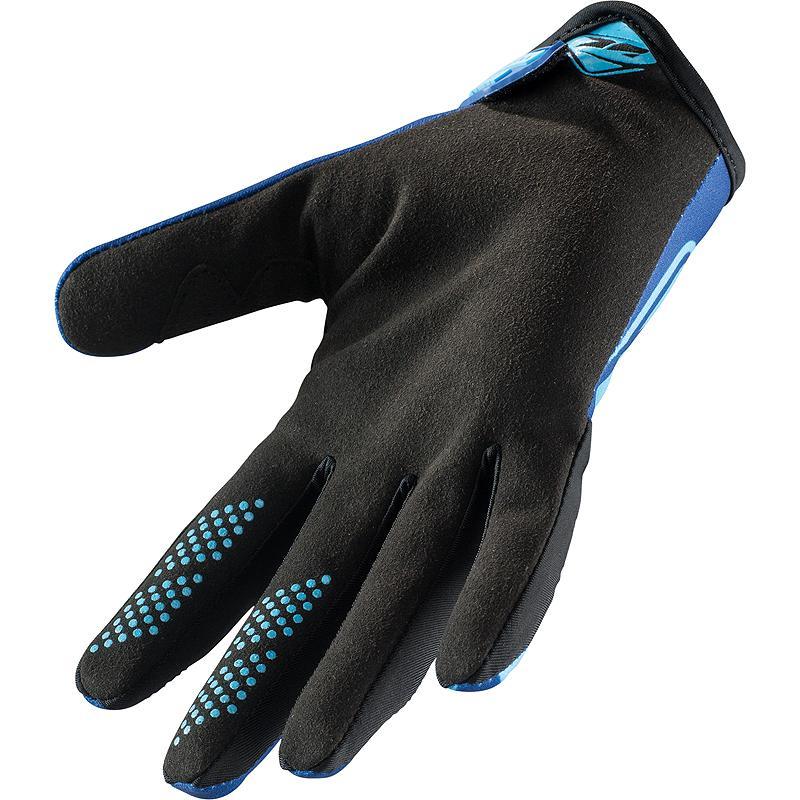 KENNY-gants-mi-saison-brave-image-5632859